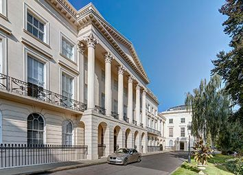 Clarence Terrace, London NW1. 3 bed flat