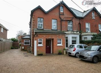 126 Reading Road South, Fleet, Hampshire GU52. 1 bed flat for sale