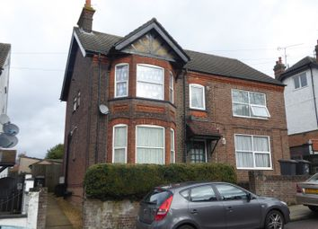 Thumbnail 1 bedroom flat to rent in West Hill Road, Luton