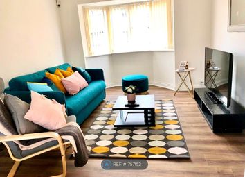2 bed flat to rent in Maltings Place, Reading RG1