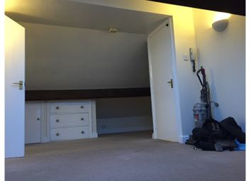 Thumbnail Studio to rent in East Parade, York