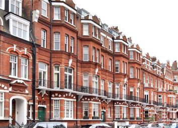 Thumbnail 3 bed flat to rent in Egerton Gardens, Chelsea, London