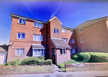 Thumbnail 2 bed flat to rent in Hall Lane, Chingford, London