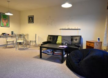 2 bed flat to rent in Lansdown Road, Bath BA1