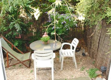 Thumbnail 2 bed flat to rent in Basire Street, Upper Angel