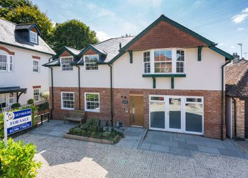 2 bed flat for sale in Middle Street, Shere, Guildford GU5