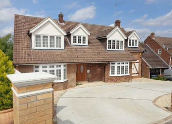 Thumbnail 4 bedroom detached house to rent in Warwick Avenue, Cuffley, Potters Bar