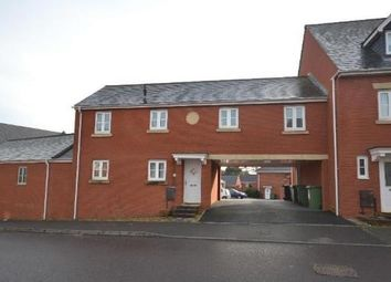 2 bed flat to let in Crown Way
