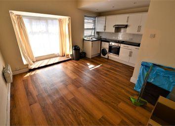 Thumbnail 2 bedroom flat for sale in Woodside Green, Woodside, Croydon
