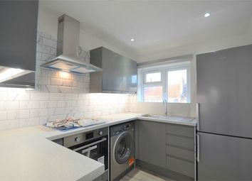 3 bed maisonette to rent in Chipstead Gardens, Cricklewood, London NW2