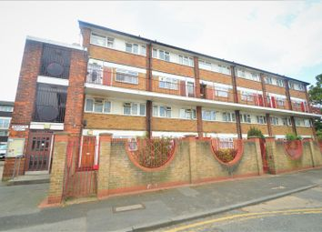 Thumbnail 4 bed flat to rent in Surrey Street, London