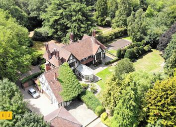 Thumbnail 7 bed detached house to rent in Roding Lane, Chigwell