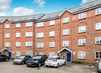 Thumbnail 2 bed flat to rent in Crown Quay, Prebend Street, Bedford MK40\