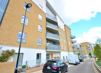 Thumbnail 3 bed flat to rent in Clock View Crescent, Islington