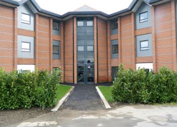 Thumbnail 1 bed flat to rent in Farnham Road, Slough