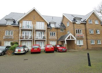 2 bed flat for sale in Thames Close, Hampton TW12