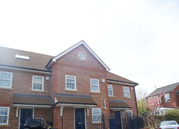 Thumbnail 3 bed town house to rent in Windsor Close, Godalming