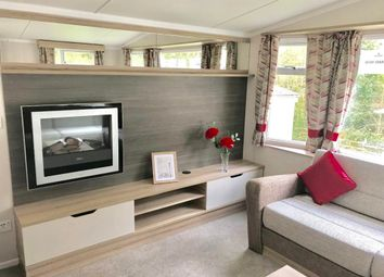 2 bed property for sale in Christchurch Road, New Milton BH25