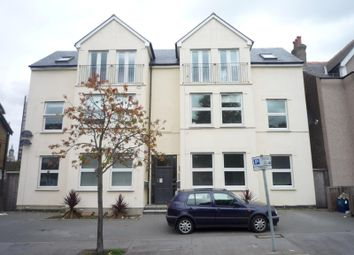 Thumbnail 2 bed flat to rent in Woodstock Road, Croydon