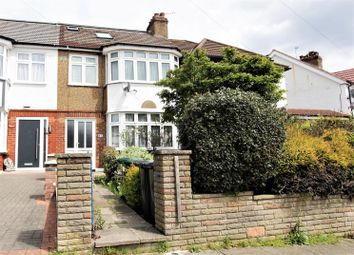 Thumbnail 4 bed terraced house for sale in Lakeside Crescent, East Barnet