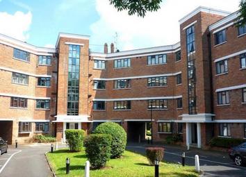 2 bed flat to rent in Kingsbridge Avenue, London W3