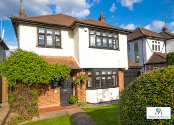 Thumbnail 3 bed detached house for sale in Fontayne Avenue, Chigwell