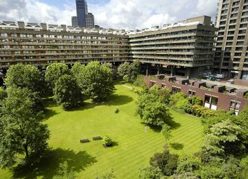 Thumbnail 1 bed flat to rent in Defoe House, Barbican