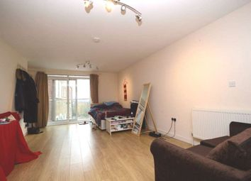 Thumbnail Studio to rent in High Road, North Finchley, London