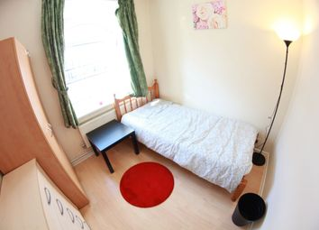 Thumbnail 5 bedroom shared accommodation to rent in Bromley High Street, Bow Road