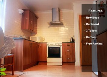 Thumbnail 6 bed terraced house to rent in Forest Lane, London