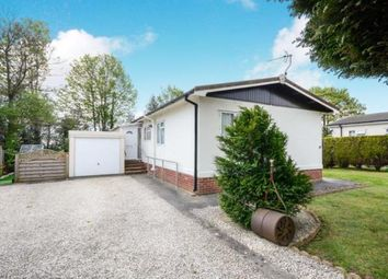 3 bed mobile/park home for sale in Brookfield Park, Mill Lane, Old Tupton, Chesterfield S42