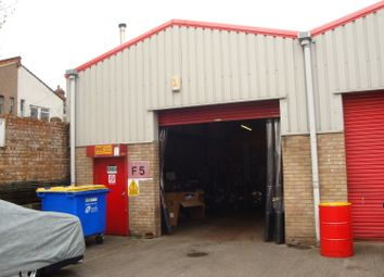 Thumbnail Warehouse to let in Phoenix Business Cenrtre, Rosslyn Crescent, Harrow