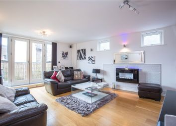 Thumbnail 1 bed flat for sale in Vantage Point, 12 Victors Way, Barnet, Hertfordshire