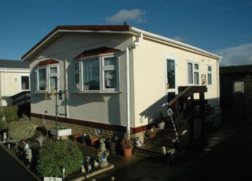Thumbnail 1 bed mobile/park home for sale in Barataria Park, Ripley, Woking