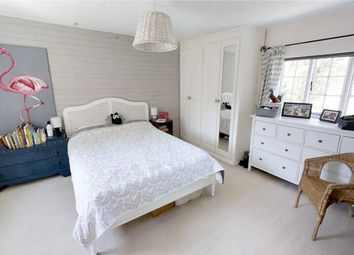 3 bed terraced house to rent in Bury Street, Guildford GU2
