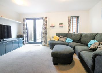Thumbnail 3 bed property to rent in The Serpentine, Aylesbury