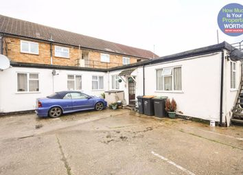 Thumbnail 2 bedroom flat to rent in Goodmayes Close, Bedford