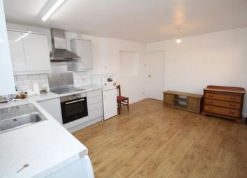 2 bed flat to rent in New Road, Chippenham SN15