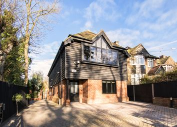 Thumbnail 2 bedroom flat to rent in Wycombe End, Beaconsfield
