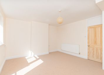 2 bed maisonette to rent in Downham Road, Islington N1