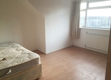 Thumbnail Room to rent in Woodland Way, Mill Hill, London