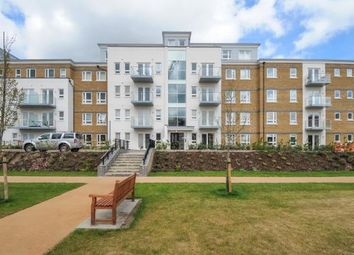 Thumbnail 2 bedroom flat to rent in Heathland Court, Maidenhead