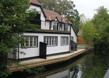 Thumbnail 2 bed cottage to rent in Boulters Lock Island, Maidenhead