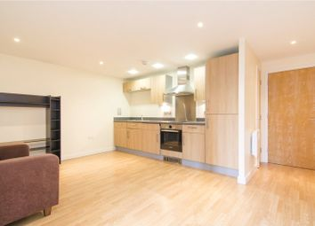 Thumbnail 3 bedroom flat to rent in Glyn Road, Hackney