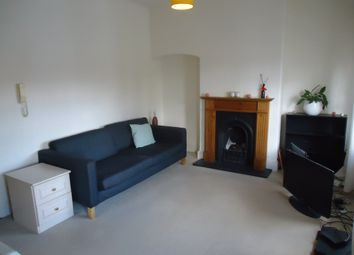 Thumbnail 1 bedroom flat to rent in Kenwood, Highgate