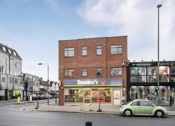 Thumbnail 2 bed flat to rent in Golders Green Road, Golders Green