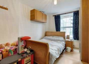 Harper Road, Elephant And Castle, London SE1. 2 bed flat