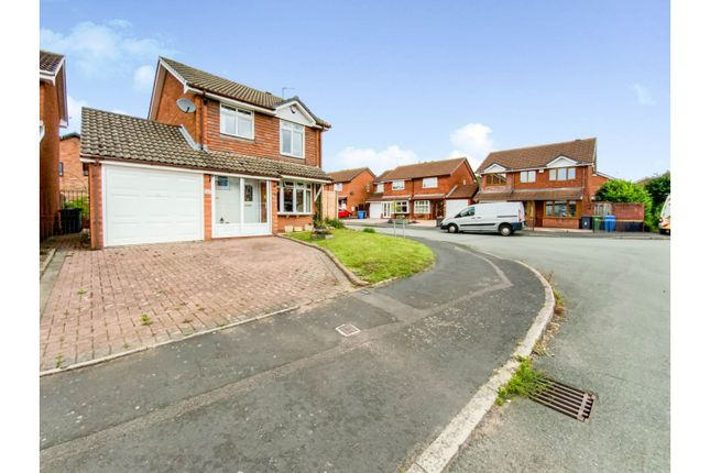 3 bed detached house for sale in Larkspur Drive, Featherstone, Wolverhampton WV10