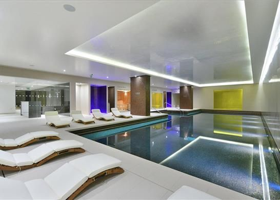 Swimming Pool of Cashmere House, Leman Street, London E1