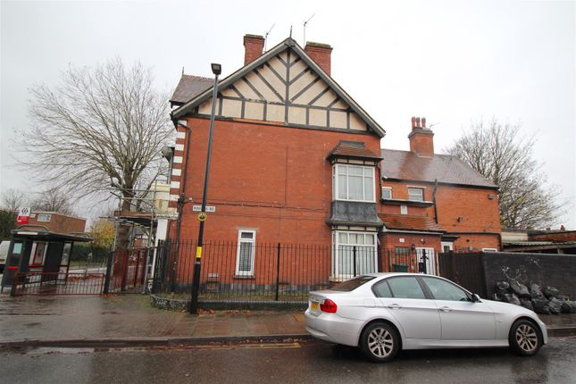 2 bed flat for sale in Yardley Road, Acocks Green, Birmingham B27